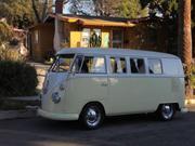 Volkswagen Bus Volkswagen: Bus/Vanagon Kombi